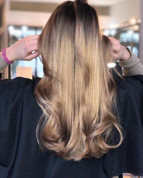 Coiffure cheveux près de Cannes